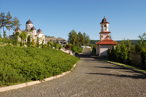 Moldova: Church and Monastery Complex